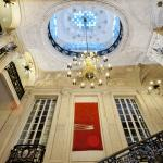The grand ceiling of the No.10 Reception thumbnail